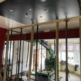 Installing-Steel-Beams-in-a-Restricted-Access-Space-in-South-London2