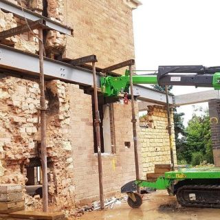 Installing-Steel-Beams-on-a-Restricted-Access-Site-in-Stratford-upon-Avon1