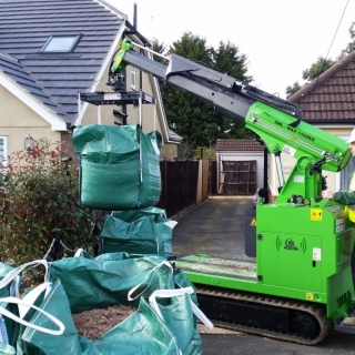 how to lift a bulk bag to point of use in your landscaping site, hire the Hooka mini tracked crawler crane