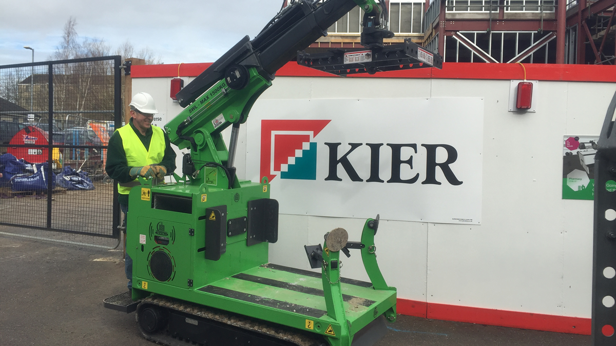 Kier Construction hired the Hooka, mini tracked crawler crane, on site at Bath Hospital for around 3 months to safely and easily move all their building and construction materials to point of use throughout the project