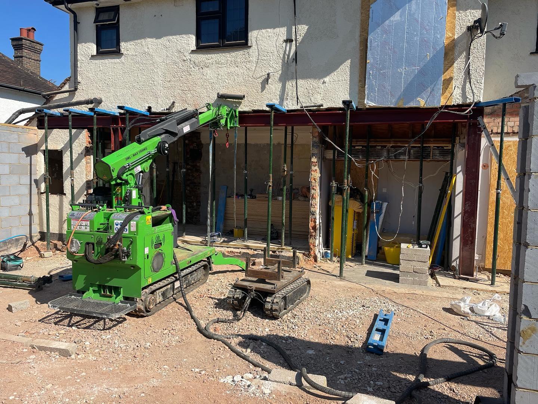900kg Steel Beam Installation in Sanderstead